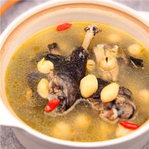 白果莲子糯米乌鸡汤