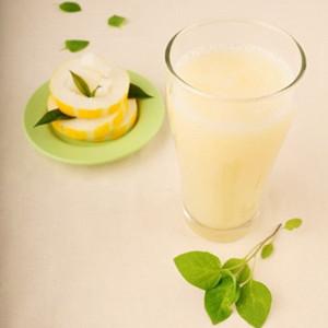 香瓜苹果枇杷汁