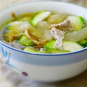 黄花菜丝瓜瘦肉汤