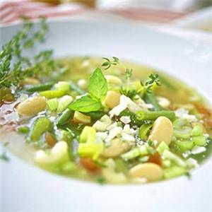 五彩蔬菜腰果汤