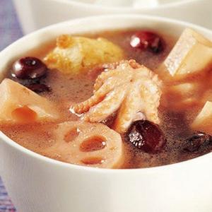 莲藕章鱼猪蹄汤