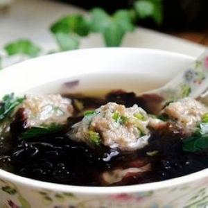 紫菜虾米猪骨汤