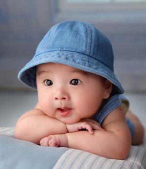 宝宝眨眼要当心 次数太多或染病